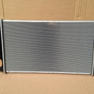 новый радиатор охлаждения Тойота